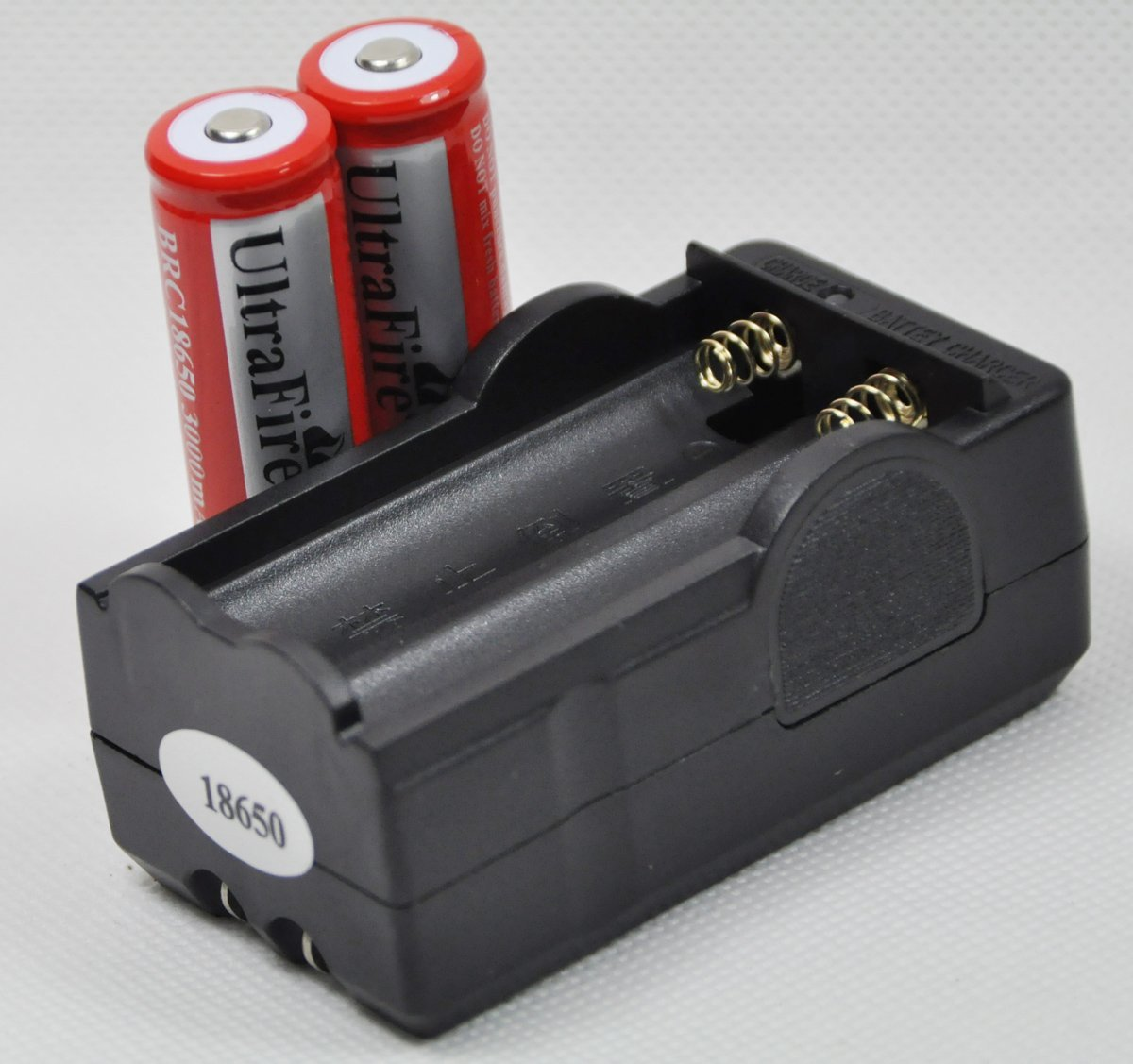 2 Ultrafire 18650 3000mah Li-Ion Rechargeable Protected Batteries + 1 Dual Smart Charger + FREE SHIPPING